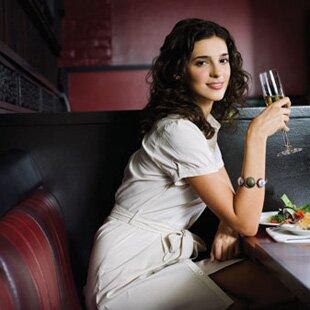 Что одеть в ресторан женщине